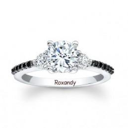 Inel de logodna cu diamante negre si albe